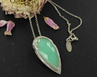 Tribal necklace - Chrysoprase necklace - Arrowhead necklace - Sterling silver - Handmade