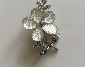 Vintage silver tone clear petal flower brooch
