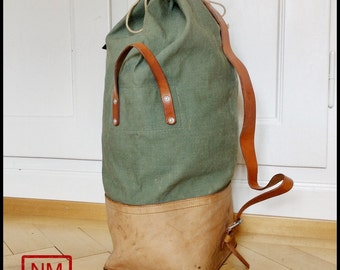 Vintage Swiss Army Duffle Bag Made of Leather and Canvas - Huge Swiss  Military Bag Made in Switzerland in the 1960s