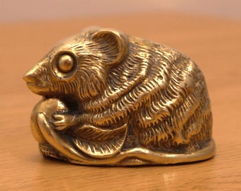 Mouse / Rat  || vintage paperweight || solid brass