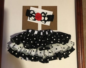 Baby fancy black and white diaper bottom and headband