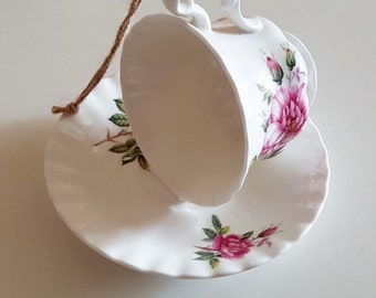 Beautiful china tea cup bird feeder