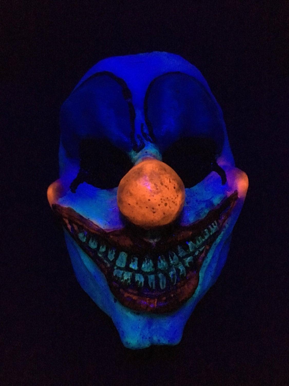 Uv glow in the dark clown resin mask for Glow in the dark resin