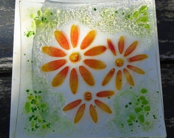 Daisy Motif Square fused glass dish