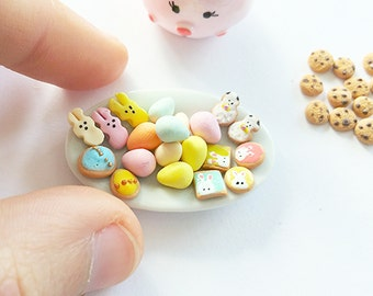 Dollhouse miniature Easter cookies selection / Scale one inch Easter cookies  / dollhouse miniature Easter scale 1 12 biscuit / dollhouse