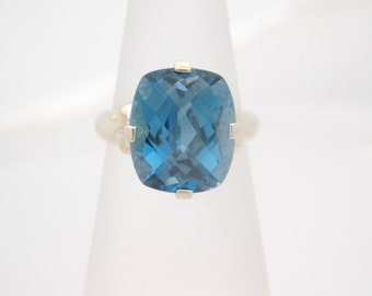Ladies Custion Cut Blue Topaz Ring 10K White Gold