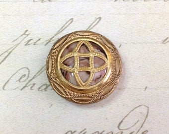 Gay 90s Antique Button 23 mm