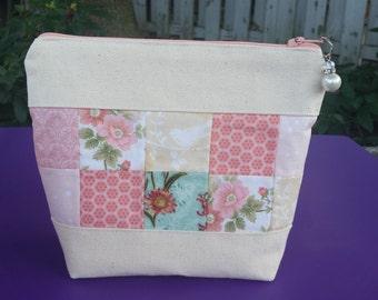Square pattern make-up bag