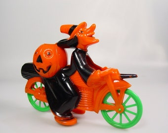 Vintage Mid Century Halloween E Rosen/Rosbro/Tico toys Witch on A motorcycle Plastic Candy container, Halloween collectible decoration, prop