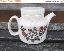 On Sale Vintage small teapot, Barratts of Staffordshire, Wild Strawberry design