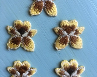 Set of 5 Vintage Flowers Applique