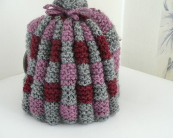 Cute little retro-style teacosy, for 1 to 2 cup teapot