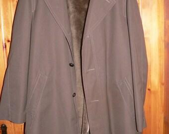 Vintage 1960s men's winter coat with fake fur size EU 52(L) USUK 42