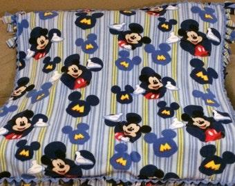 ON SALE Mickey Mouse Fleece Blanket, Mickey Mouse Blanket, Disney Blanket, Disney Fleece Blanket, Baby Blanket, Toddler Blanket, Disney Bedd