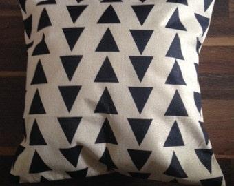 Geometric Triangle Print Cushion Cover