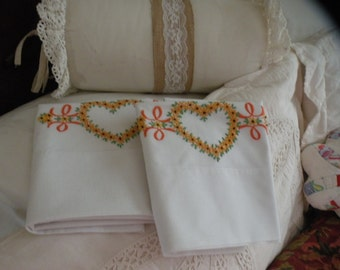 Cottage Chic Vintage Pair Brown Eyed Susan Pillowcases