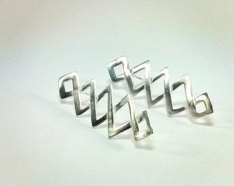 Earrings: ZIG ZAG Silver plated