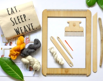 Frame loom weaving kit - Learn to weave with Le Petit Moose