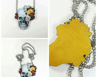Chain skull necklace