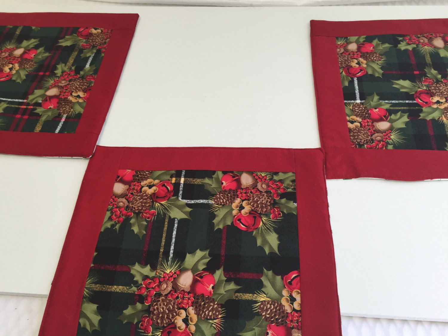Square Placemats, Red Place Mats, Reversible Placemats, Square Table  Topper, Square Red Placemats, Christmas Placemats, Christmas Decor
