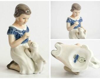 Royal Copenhagen GIRL WITH PUPPY Porcelain Figurine # 477