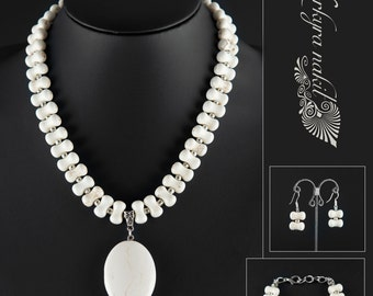 Beautiful, elegant howlite set