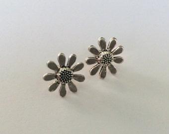 Dainty Silver Tone Daisy Earring Studs