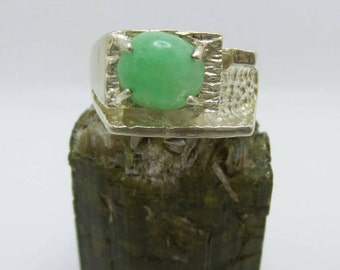 Vintage Chrysophase Sterling Silver ring, size 10.