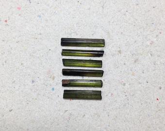 Small green tourmaline crystals, raw tourmaline rough gemstone // B*992