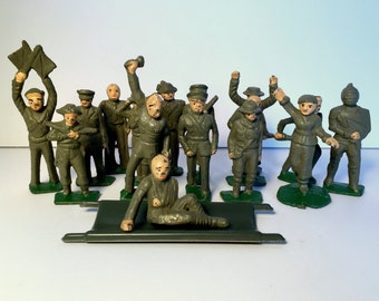 Vintage Lead Toy Soldiers (16 pc)