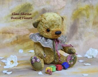 Artist teddy bear. Dennis