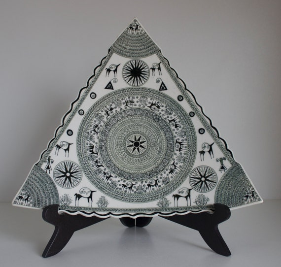 Hititte Design Triangle Hand Made Ceramic Plate, Home Decoration, Decorative Wall Hanging Plate, Triangle  Art, Triangle Decoration.