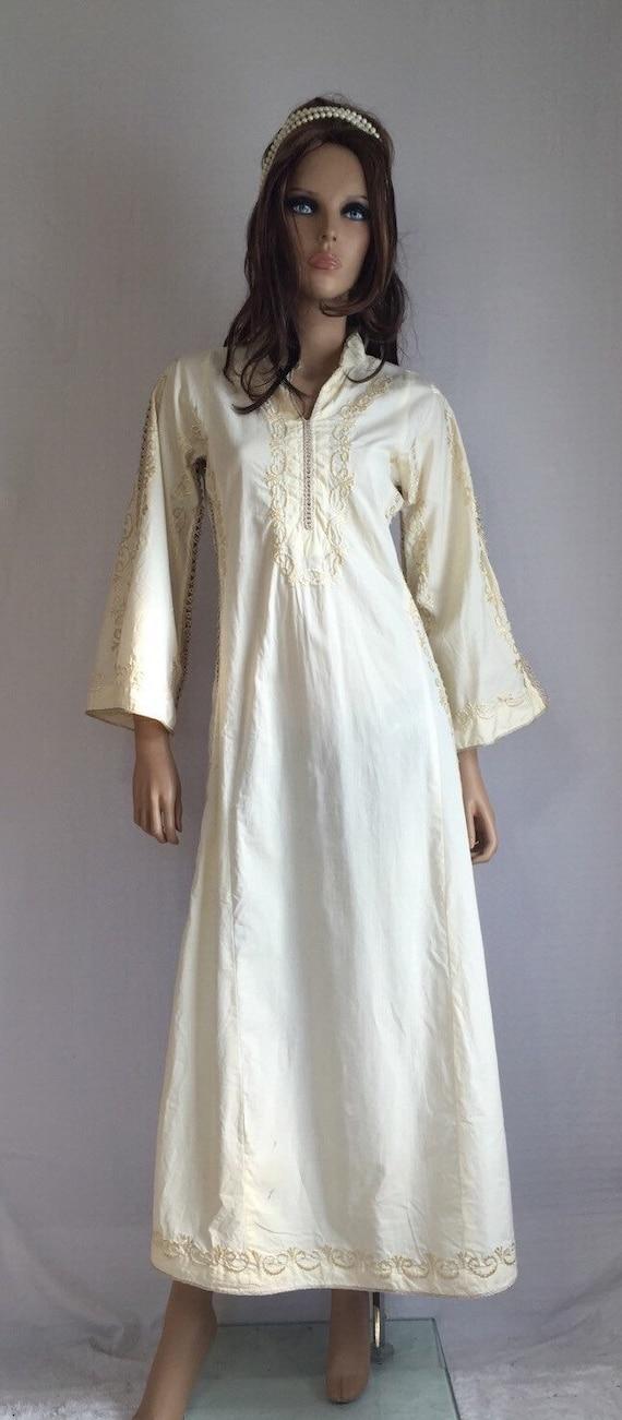 Vintage 1970s white embroidered kaftan dress festival for White kaftan wedding dress