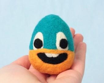 Felt egg ornament, Handmade sculpture, Needle felted egg, Silly egg, Egg with face, Smiling egg, Desk ornament, Gift for friend, Soft egg