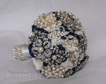Ivory and navy blue wedding brooch bouquet, Silver wedding bridal bouquet, Pearls brooch bouquet, Luxury bouquet, Ivory blue wedding decor.