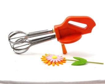 Vintage Manual Mixer - Hand mixer - Manual egg beater - Manual whisk - Hand whisk - Hand egg beater - Orange kitchen appliance