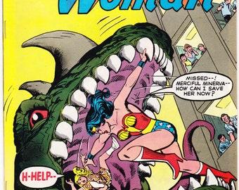 Wonder Woman 257, comic book. Female Superhero. Amazon, Tiara, Lasso, Bronze Age, Vintage Paradise Island. 1979 DC Comics in VF (8.0)