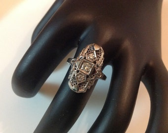 Vintage 10K White Gold Filigree Diamond Ring. Vintage Art Deco Ring