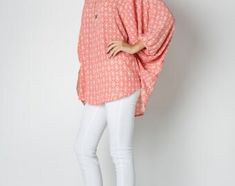 T6151A 3/4 Batwing Dolman Sleeve Printed Raglan Round Neck Back Gathered Top (Made in USA)