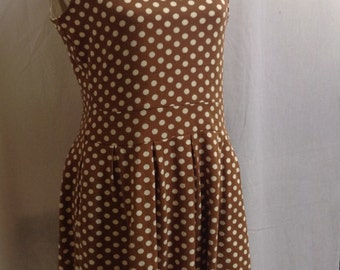 Polka Dot and Peter Pan Vintage Dress/Beige And White/Size Medium