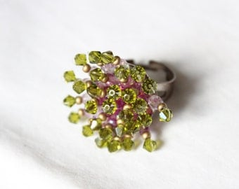 1950s Vintage Aurora Borealis And Green Faceted Glass Bead Ring