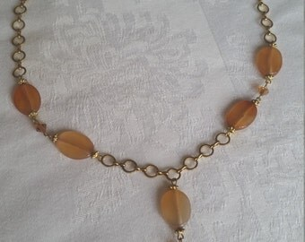 Beautifully crafted 1960s gold link and amber tone bead necklace