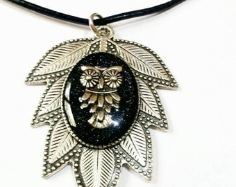 Owl necklace pendant,leaf jewelry resin charm,black leaf,wise bird necklace ,Israel jewelry Women Necklace Gifts for Her