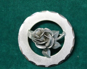 Vintage Sterling A&Z PIN BROOCH A and Z Chain Co A+Z Hayward Rose Design .925 Circle Pin