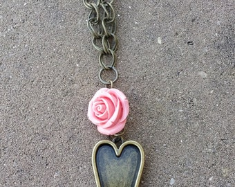 Rose & Heart Necklace Antique Gold