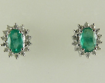 Emerald 0.83ct Earring 14k White Gold and Diamonds 0.21ct