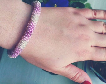 "Bracelet made of transparent colored beads on a string ""Melange"""