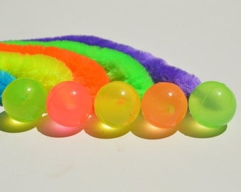 Bouncy ball cat toy, Glow in the Dark, with catnip infused wiggly tail - Set of 5 (random colors)