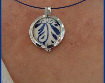 Jewelry from original handpainted Delft blue pottery
