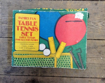 Vintage/Retro Original Family Fun Table Tennis Set